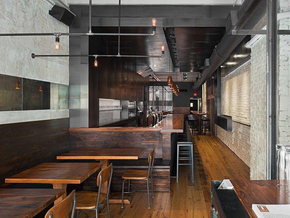 Индустриальный бар TRIA Taproom в Филадельфии