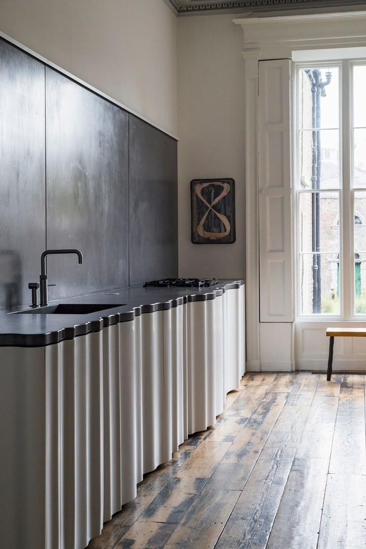 D2 TOWNHOUSE IN DUBLIN, IRELAND BY JAKE MOULSON ARCHITECTS
