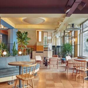 Кафе Karavaan от Studio Modijefsky в Амстердаме